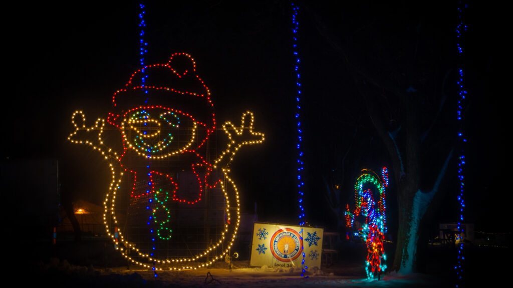 VA- Jolly Holiday Lights- Gallery Final-02