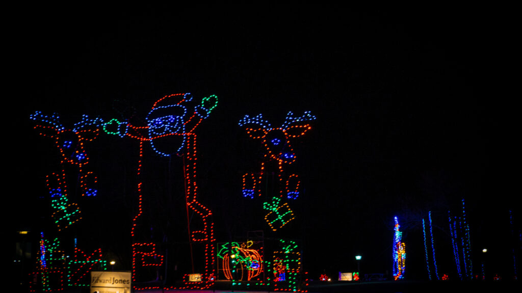 VA- Jolly Holiday Lights- Gallery Final-05