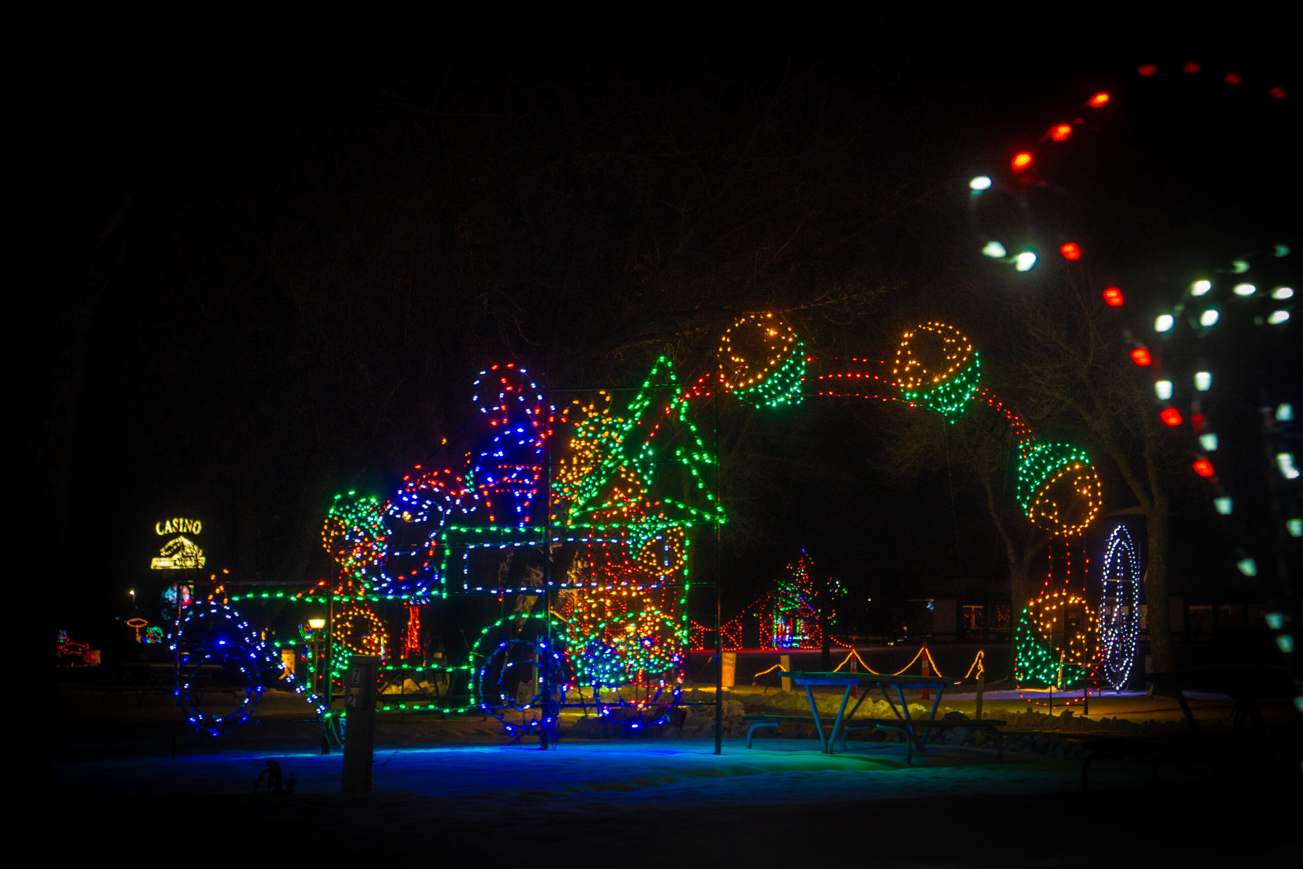 VA- Jolly Holiday Lights- Gallery Final-07