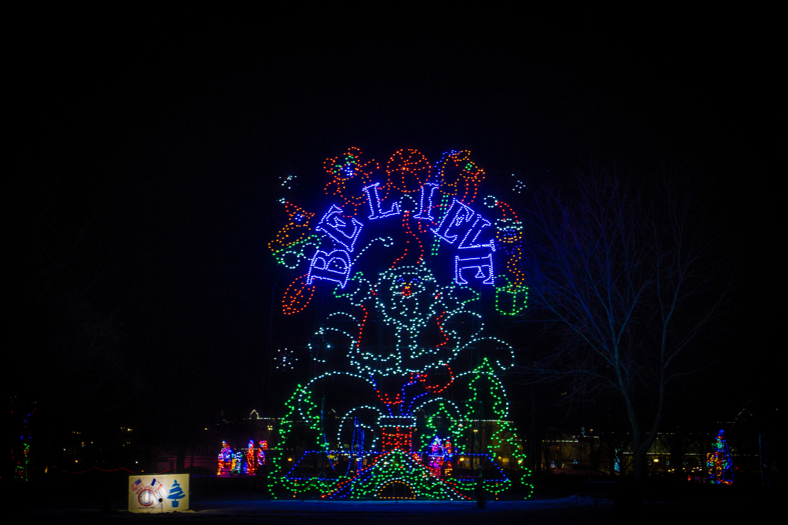 VA-Jolly-Holiday-Lights-Gallery-Final-08