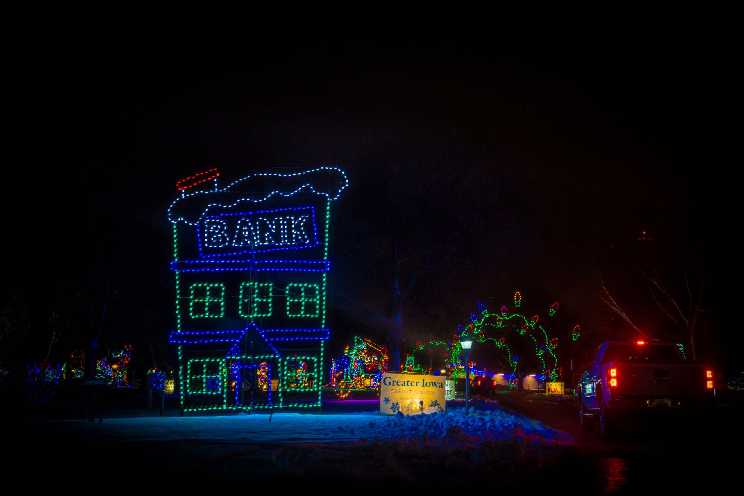 VA-Jolly-Holiday-Lights-Gallery-Final-09