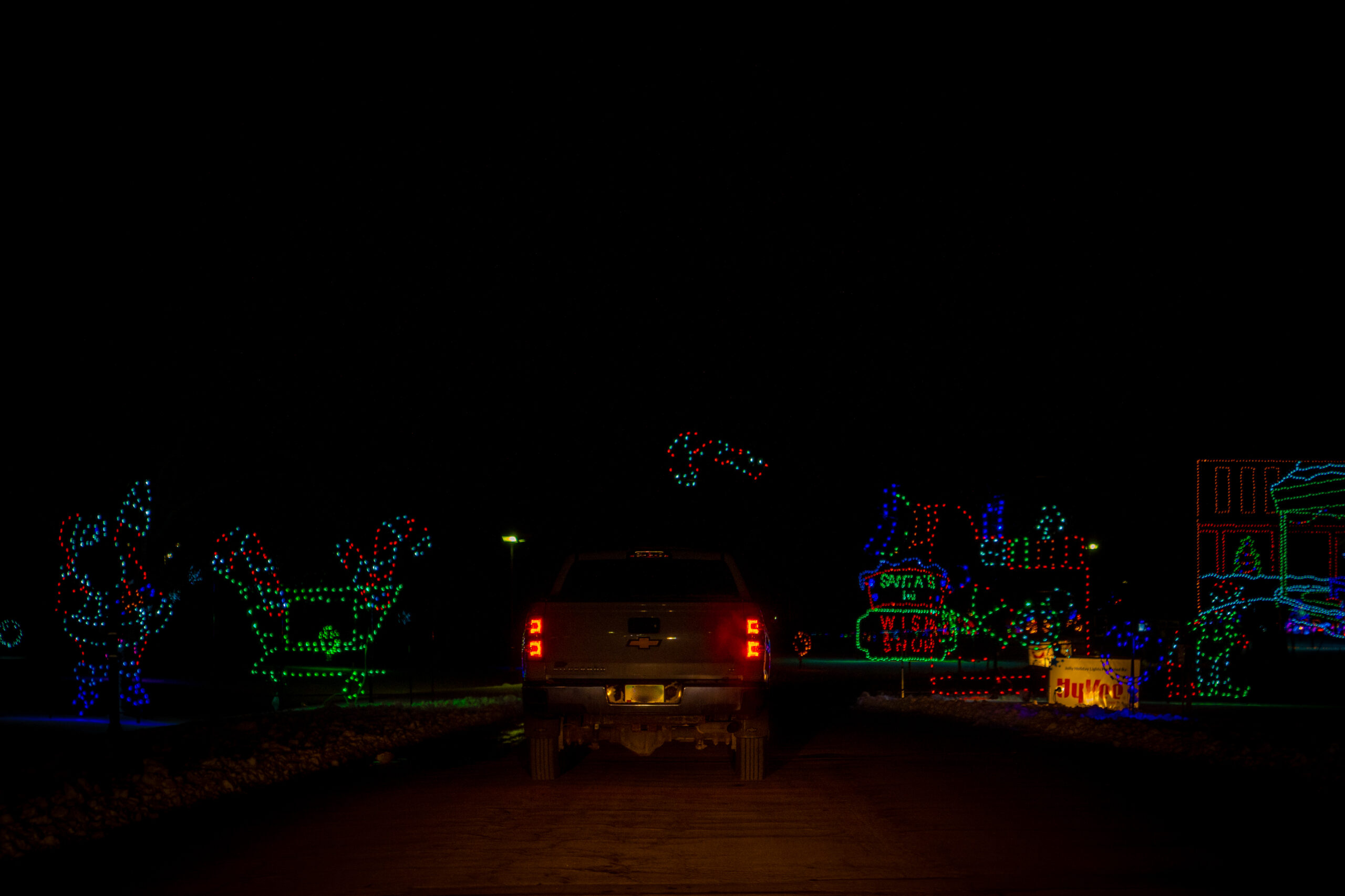 VA- Jolly Holiday Lights- Gallery Final-13